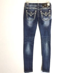 Miss me embroidered distressed skinny jean